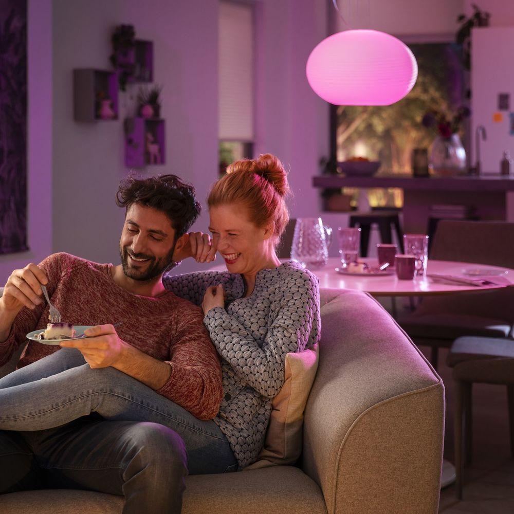 Smart Home Lampen Und Leuchten Die Per App Oder Sprachsteuerung Dimmen Lichttemperatur Oder Lichtfarbe Ganz Einfach Andern Smarth Hue Philips Hue Philips