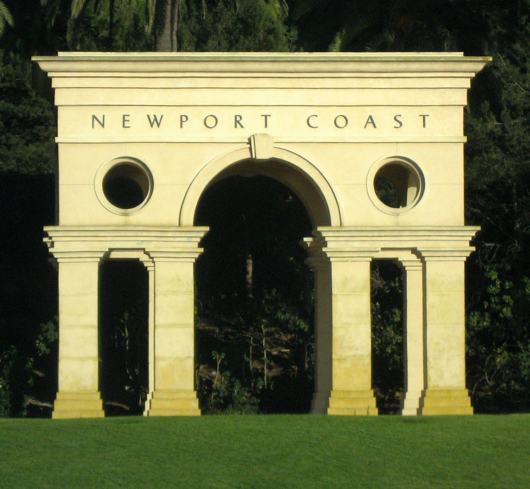 San Simeon Apartments: Newport Beach, California, United States