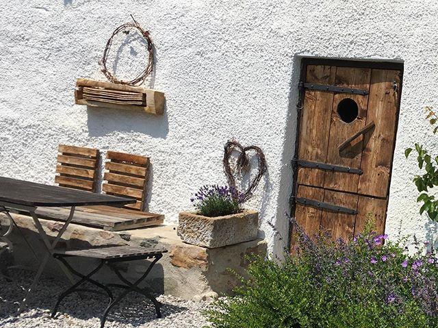 Vor diesem #Bauernhaus lassen sich #sommerliche #Nächte #genießen !!!! ... Foto by desmondo