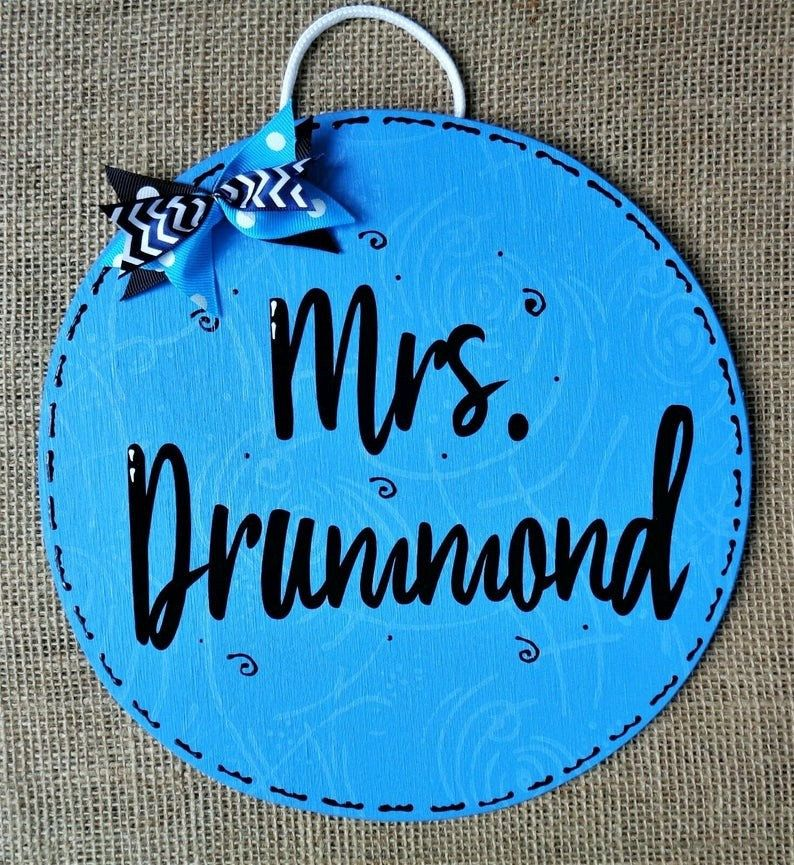 Personalized Name Circle Teacher Sign Wall Door Plaque School Class Classroom Handcrafted Hand Painted Wood In 2020 Country Wood Crafts Teacher Signs Hand Painted Wood