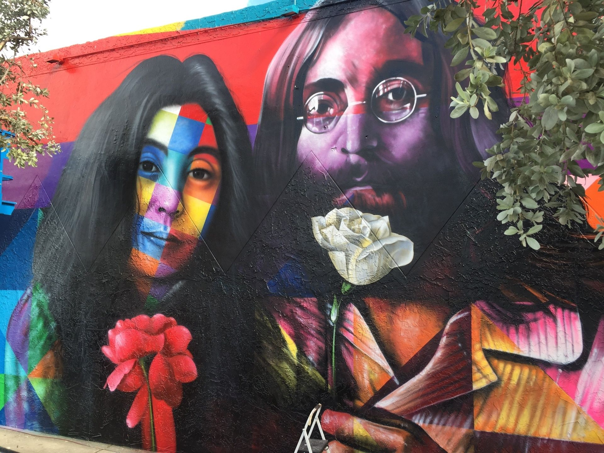 Conheça grafites do brasileiro Eduardo Kobra espalhados pelo mundo