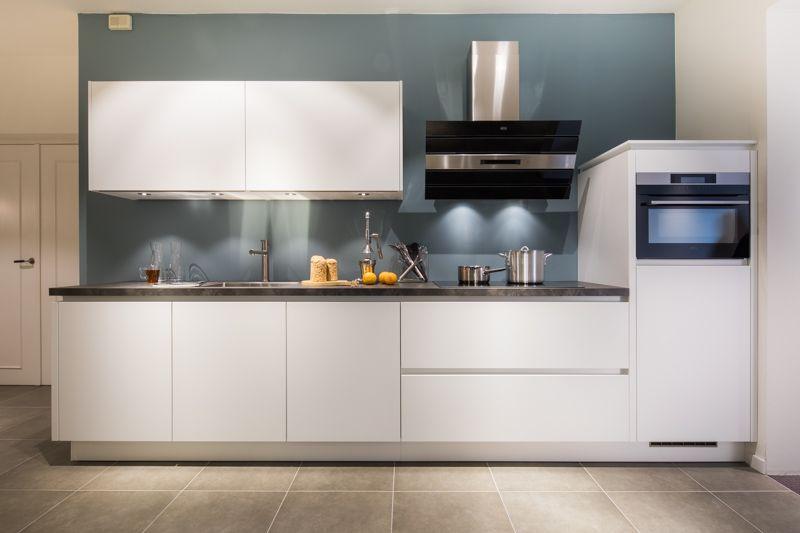 Greeploze keuken in de kleur wit nuva keukens goed bedacht