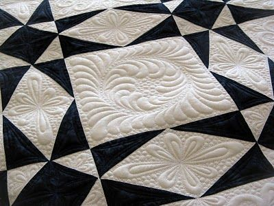 Love... Love... Love! I so love Storm at Sea quilts....