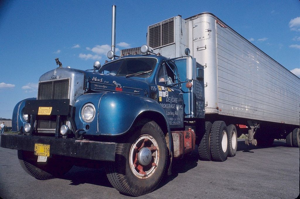 Alle Grossen Big Blue B Flickr Fotosharing Google Suggestrelevance Mack Trucks Old Mack Trucks Classic Trucks