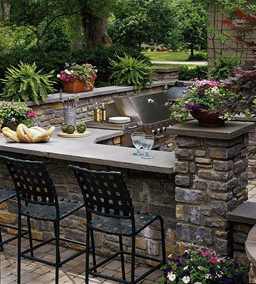 Outdoor Rooms to Live in All Summer Extérieur, Jardins et Cuisine - photo cuisine exterieure jardin
