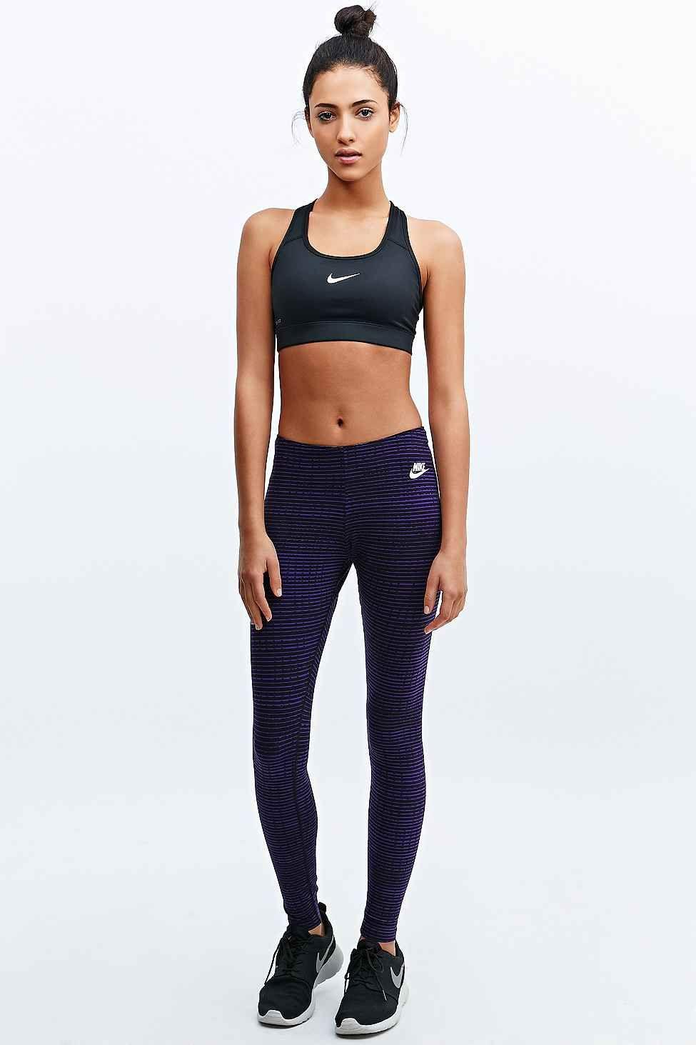 Nike - Leggings Leg-a-See imprimés violets - 43 € Vetement Sport 7f042a31093