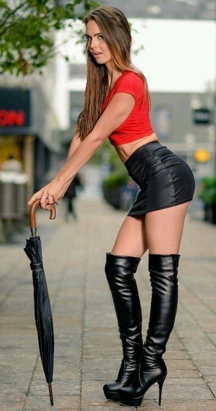 Épinglé sur Beautiful women in thigh high boots.
