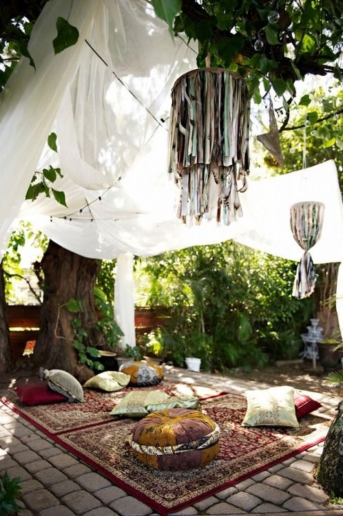 Bohemian Picnic With Persian Rugs So
