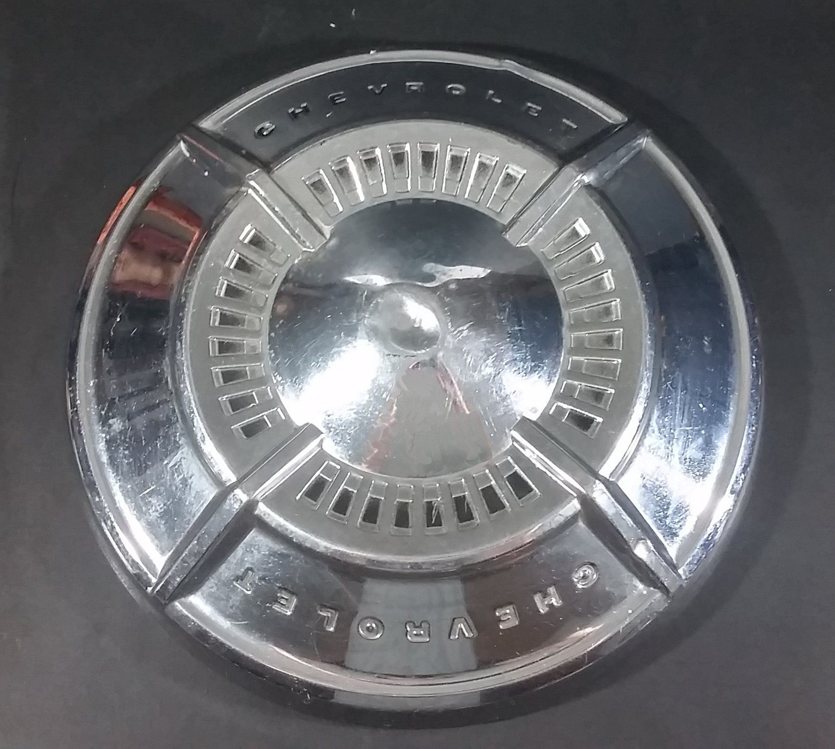 Early 1960s Chevrolet (Bel Air, Biscayne, Impala?) 4 Point Hub Cap ...
