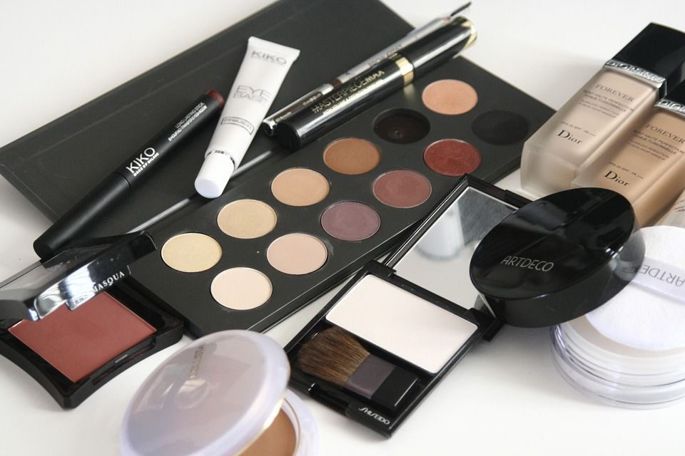 Natural Beauty: Facial Contouring without Makeup