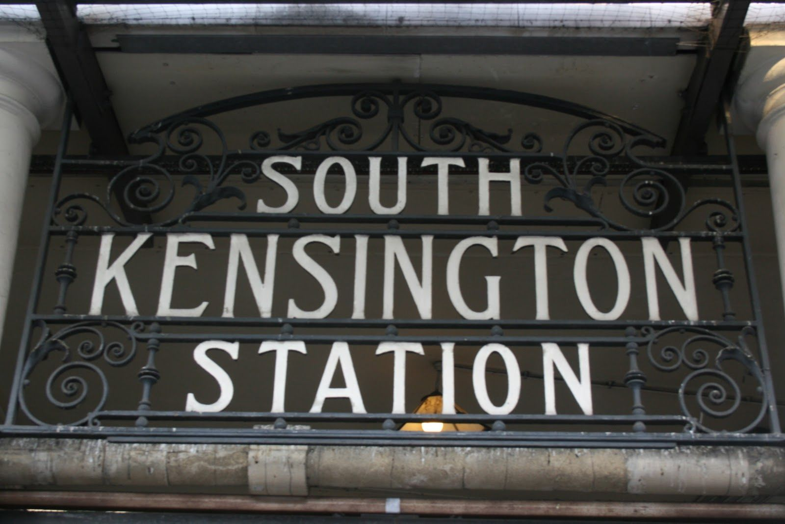 South Kensington Sw7 Cleaning Gutters South Kensington South Kensington London