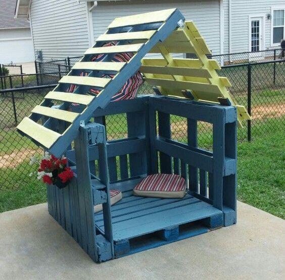 Cabane en palette pour enfant : 24 réalisations originales
