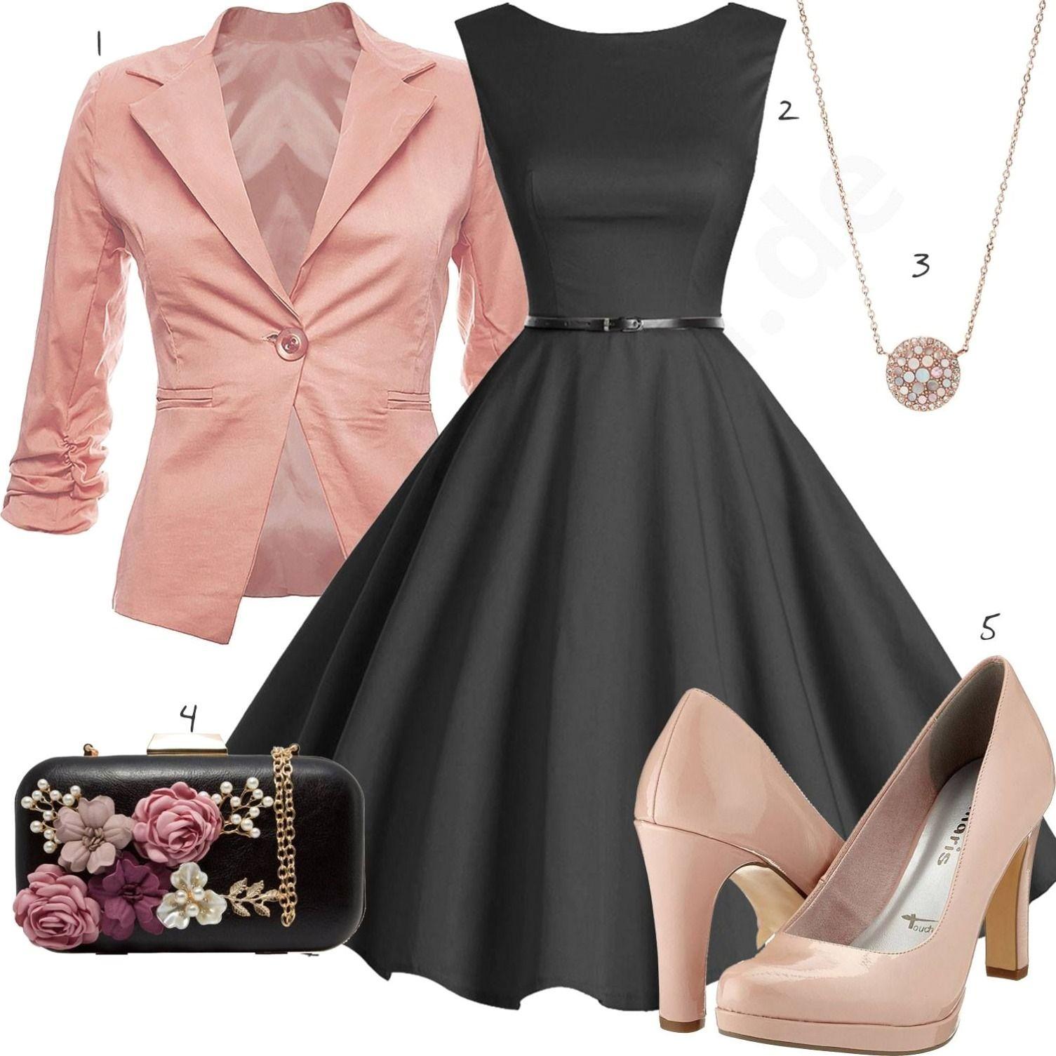 outfit mit schwarzem kleid chsfarbenem blazer und pumps