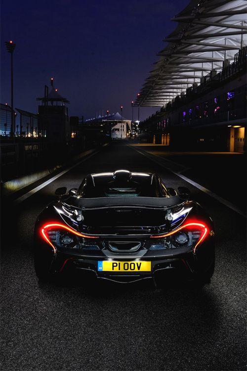 italian-luxo: McLaren P1 | Supercars Crédito: Dean Smith