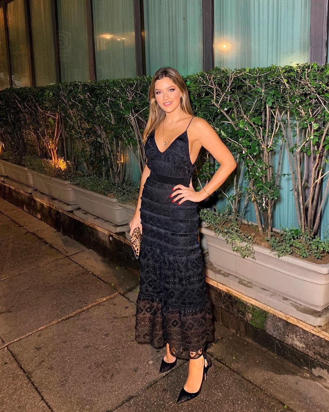 4b42a827c1 Embalos de um sábado à noite ❤ toda de preto com vestido  mixed brazil (