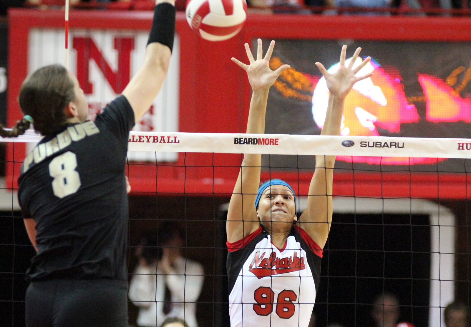 Husker Super Sub Alexa Strange Flexes Her Beach Volleyball Muscle On The Hardwood For A Big Time Block At The Coliseum Beach Volleyball Time Blocking Muscle