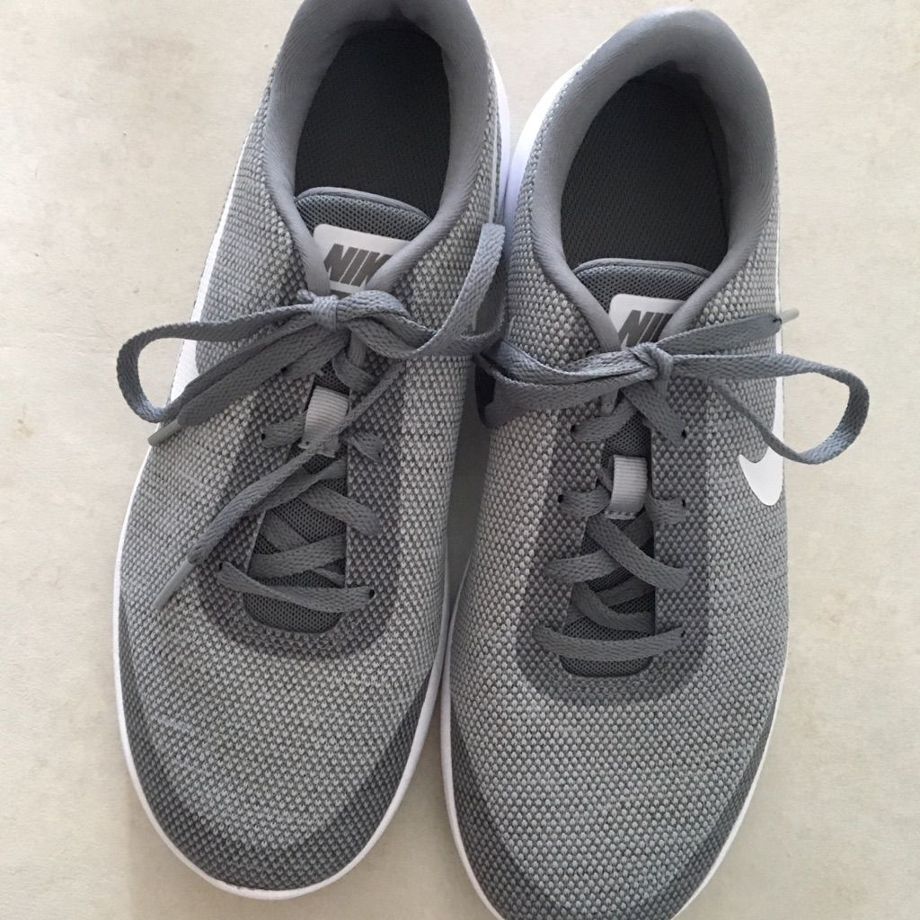 Nike Shoes | Nike Flex Experience Rn 7 | Color: GrayWhite