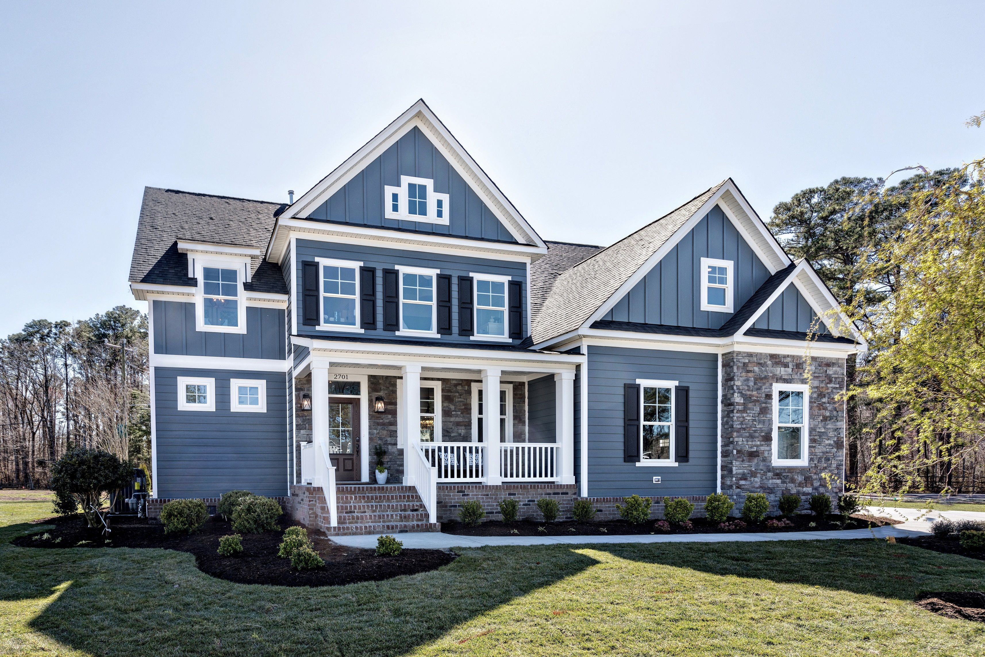 6000 Series Siding Experience The Ultimate In Energy Efficient Comfort With Insulated Vinyl Siding This In 2020 Vinyl Siding Insulated Vinyl Siding Farmhouse Homes