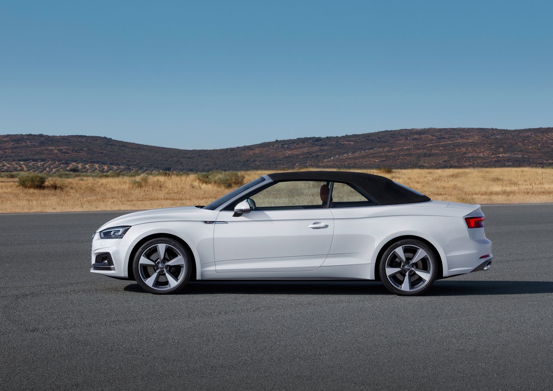 Video Watch As Audi Tests The A5 Cabriolet In Extreme Conditions A5 Cabriolet Audi A5 Convertible Cabriolets