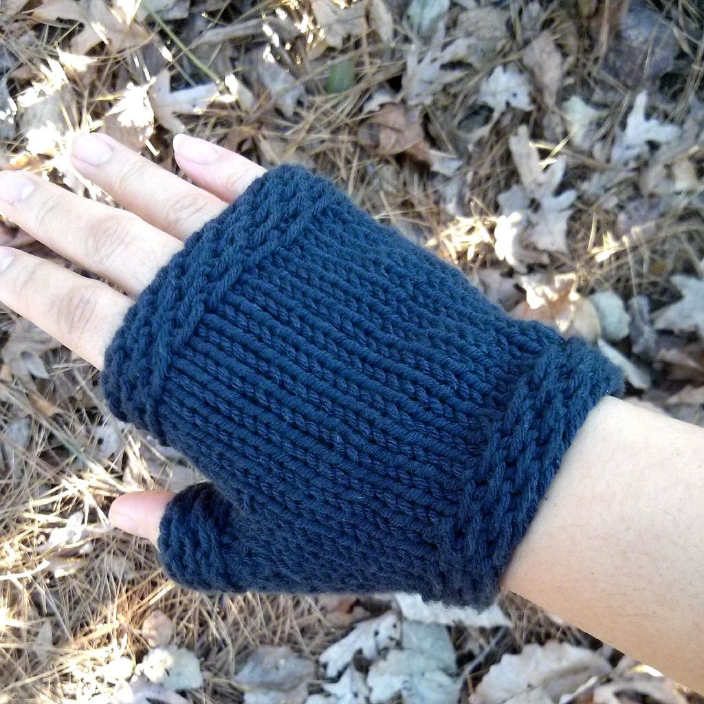Easy Knit Fingerless Gloves - Purl Avenue Free knitting pattern ...
