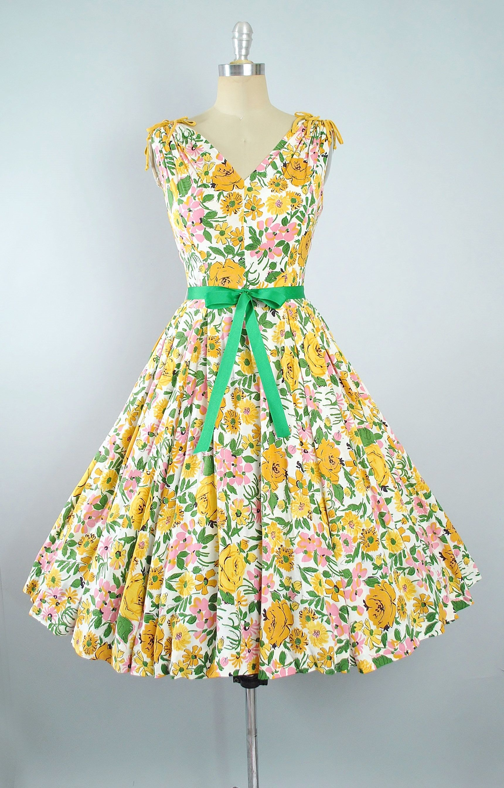 1add0c8324a Vintage 50s Floral Rose Print Dress   1950s Cotton Sundress Yellow Pink  Green ROSES Full Circle Skirt Pinup Picnic Garden Party Medium Large by ...