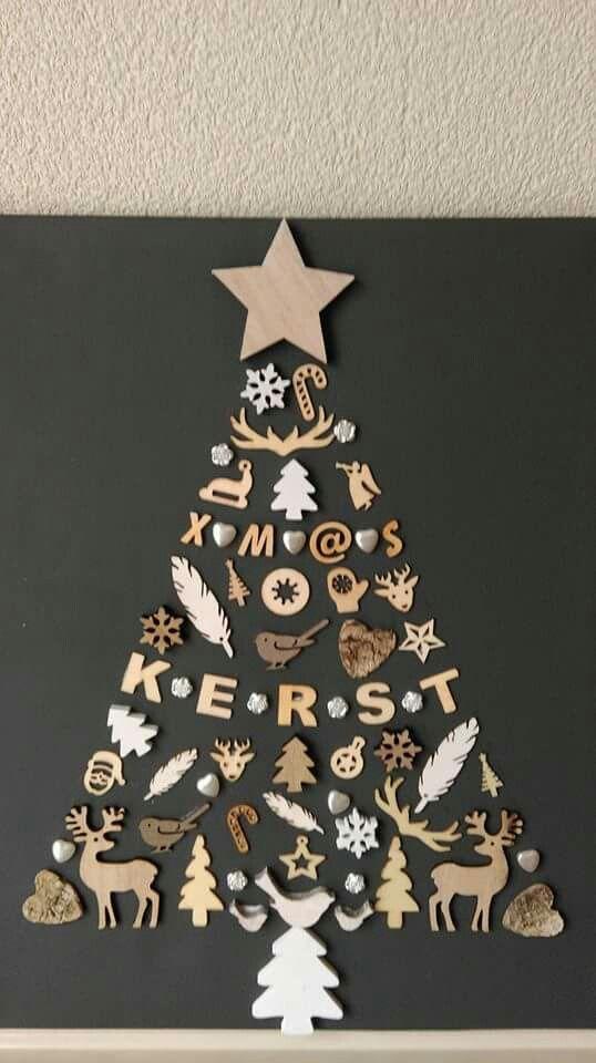 Kerstboom op canvas van ornamenten en letters. #kerstboomversieringen2019