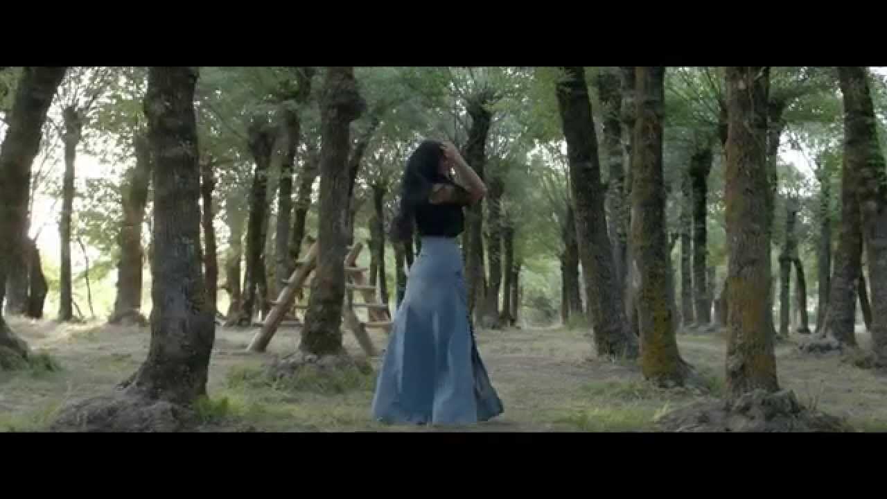 شيراز | كيف بدك عني تغيب | (Shiraz | Kif Badak 3ani Tghib (Music Video- Mashallah the most beautiful woman I have ever seen. Now this is Lebanese beauty
