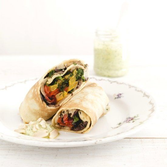 Crepes with grilled vegetables and feta sauce (in Italian)