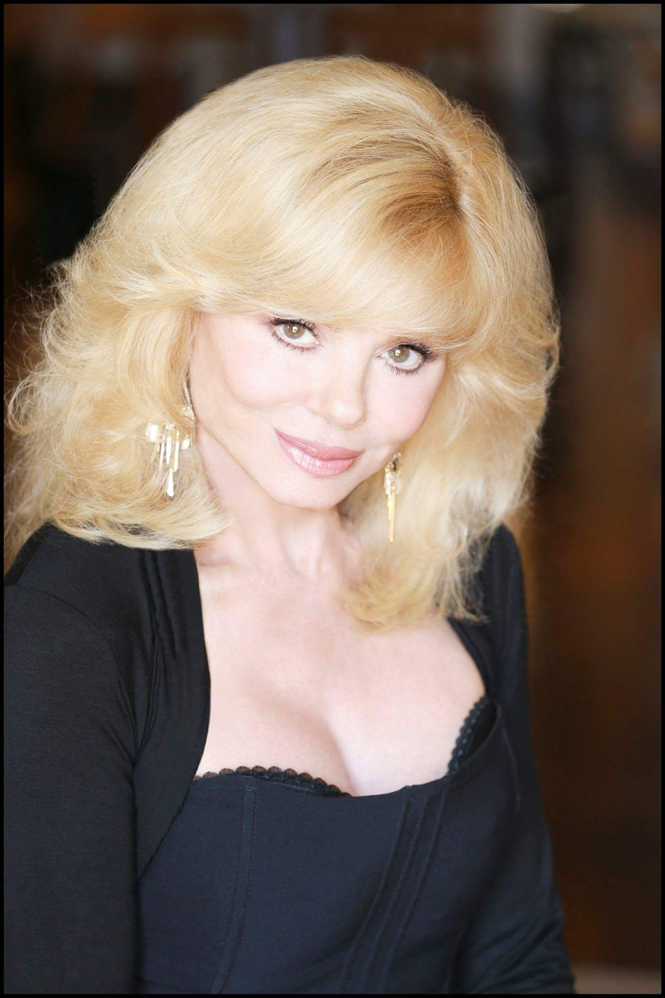 Loni Anderson born August 5, 1946 (age 72)