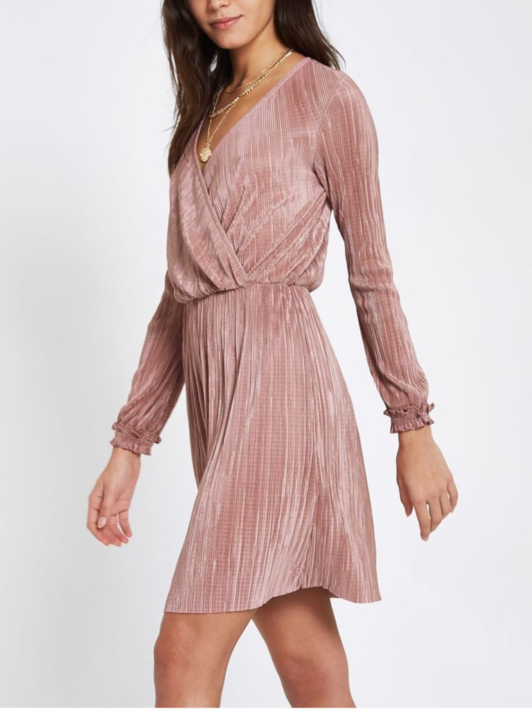 What To Wear To A Fall Wedding The Best Fall Wedding Guest Dresses Long Sleeve Wedding Guest Dresses Fall Wedding Guest Dress Wedding Guest Dress [ 1024 x 768 Pixel ]