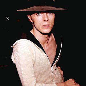 1974 USA Studio Hat - David Bowie Photos