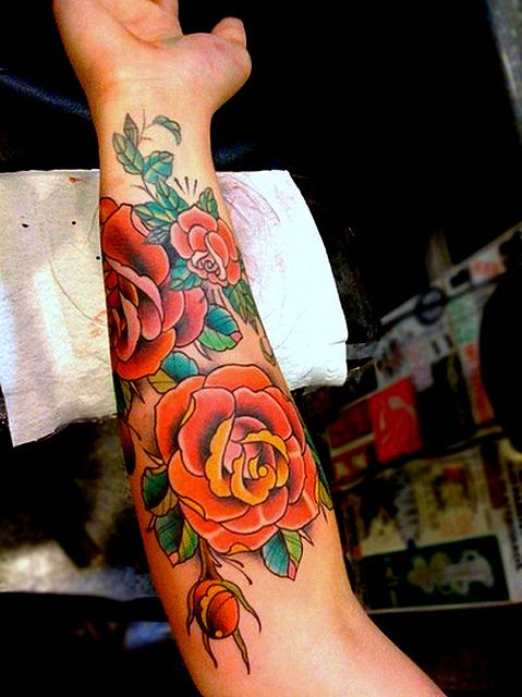 c8393918ef3bb Old School Rose Tattoo / Forearm / Sleeve I'm not looking to get a tattoo.  I just like the old school look of this :)