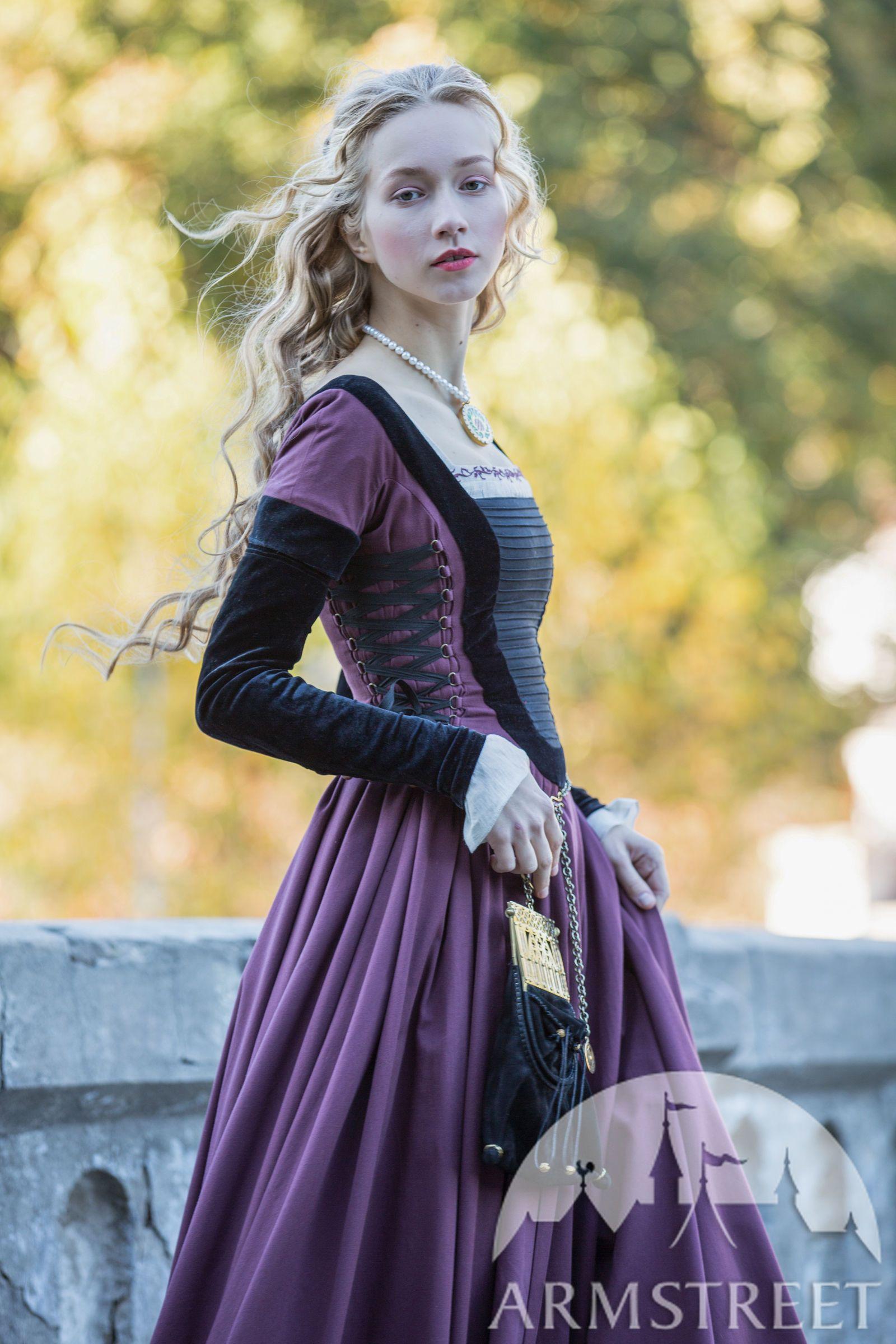 """Tailliertes Kleid mit Samt """"Renaissance Erinnerung ..."""