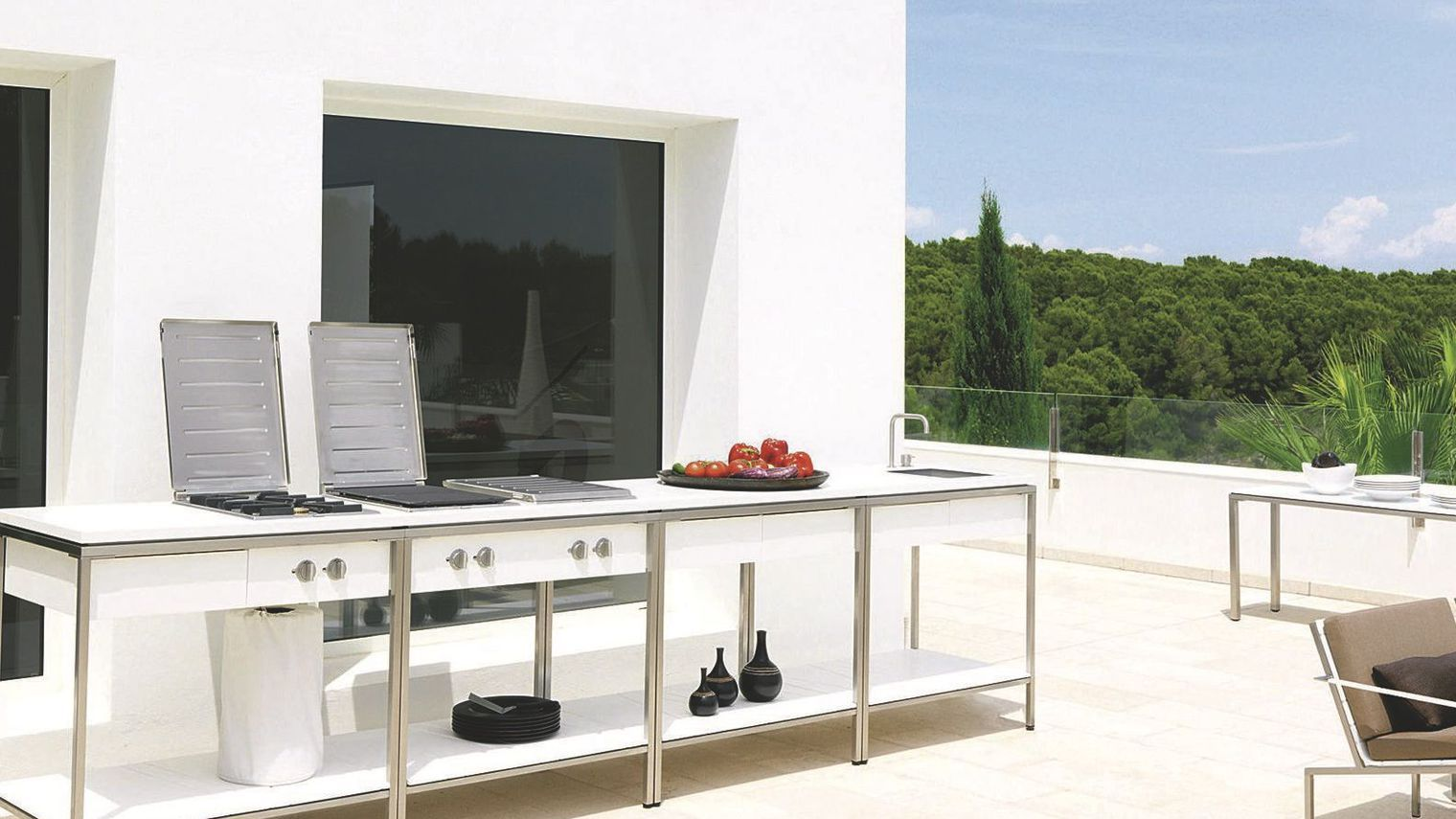 cuisine d 39 ext rieur inox mobile design barbecue plancha c t maison bricolage. Black Bedroom Furniture Sets. Home Design Ideas