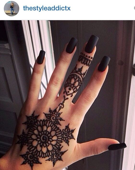 I Love This Hand Henna I Want To Get One During Senior Week