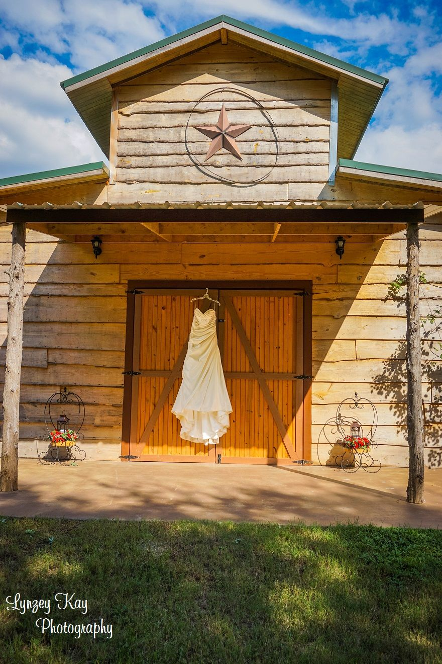 Outdoor Rustic Barn Wedding Venue East Texas Dress On Doors Willow Creek Ranch