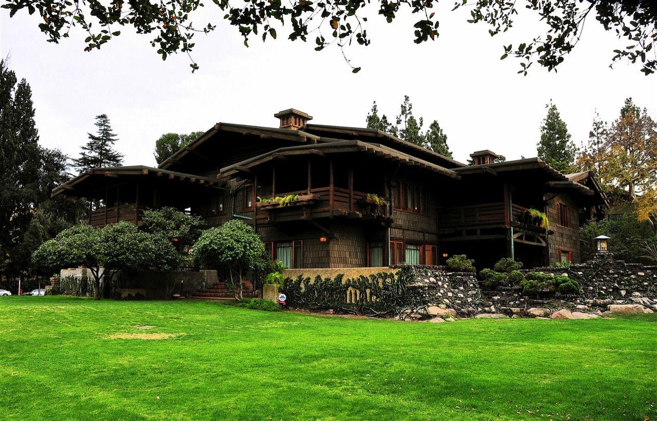Blacker house greene and greene pasadena california for Pasadena craftsman homes