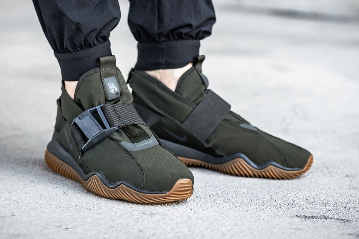 new style 25ea3 8bc68 Image result for nike komyuter on foot