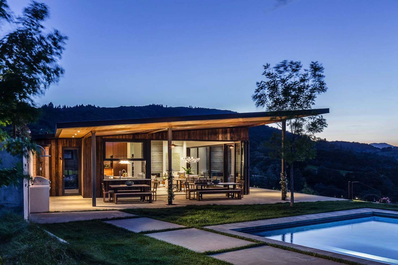 Modern vineyard home in Healdsburg provides spectacular getaway ...
