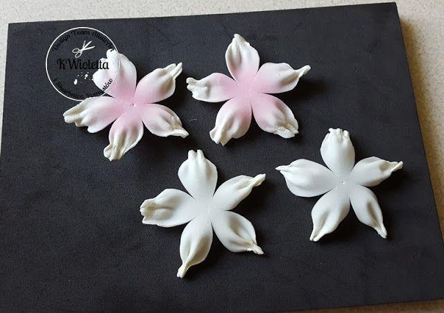 Skarbnica Pomyslow Kurs Na Kwiaty Z Zimnego Foamiranu Flower Making Flower Crafts Foam Flowers