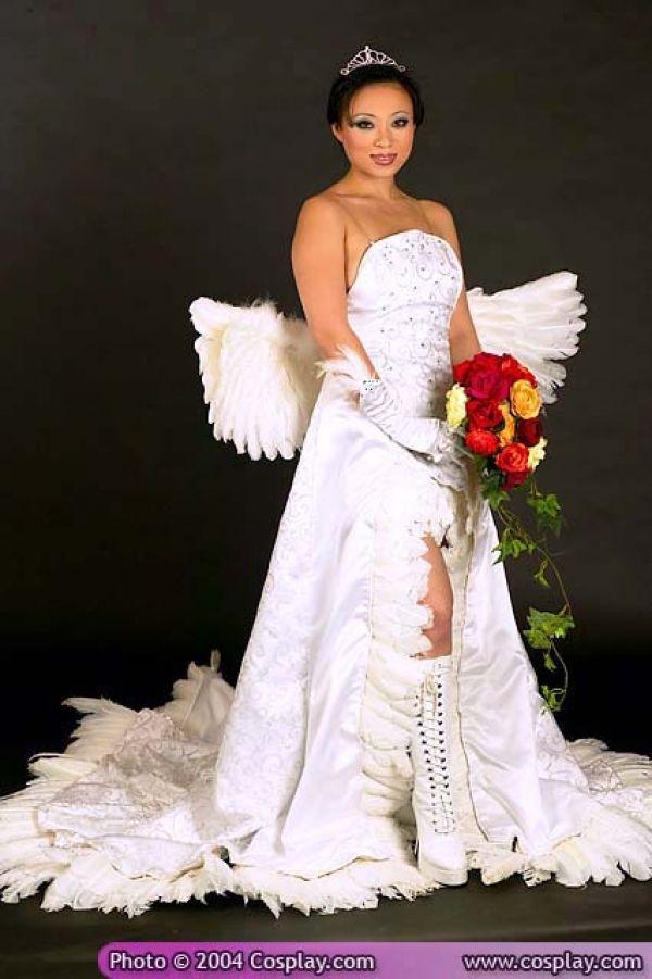 Yaya Han As FFXs Yuna In Wedding Dress