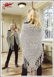 Triangular shawl in broomstick lace. Free crochet pattern.