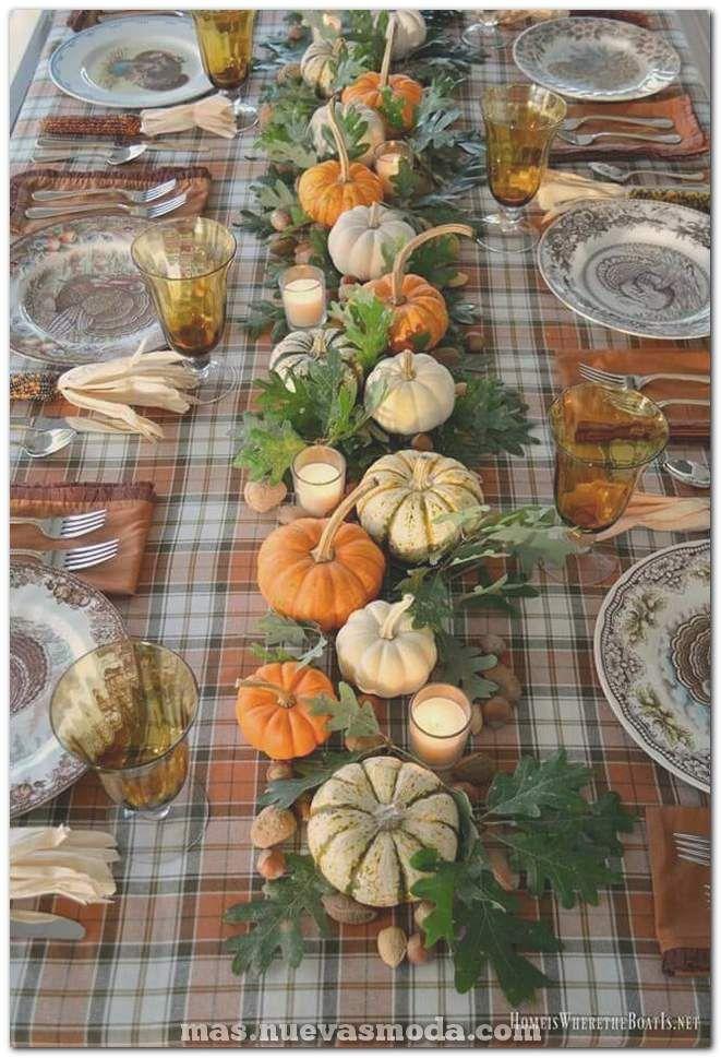 55 Ideas únicas de decoración de mesa de Acción de Gracias que dejarían a sus invitados hipnotizados Decoración de calabaza Criss Criss...