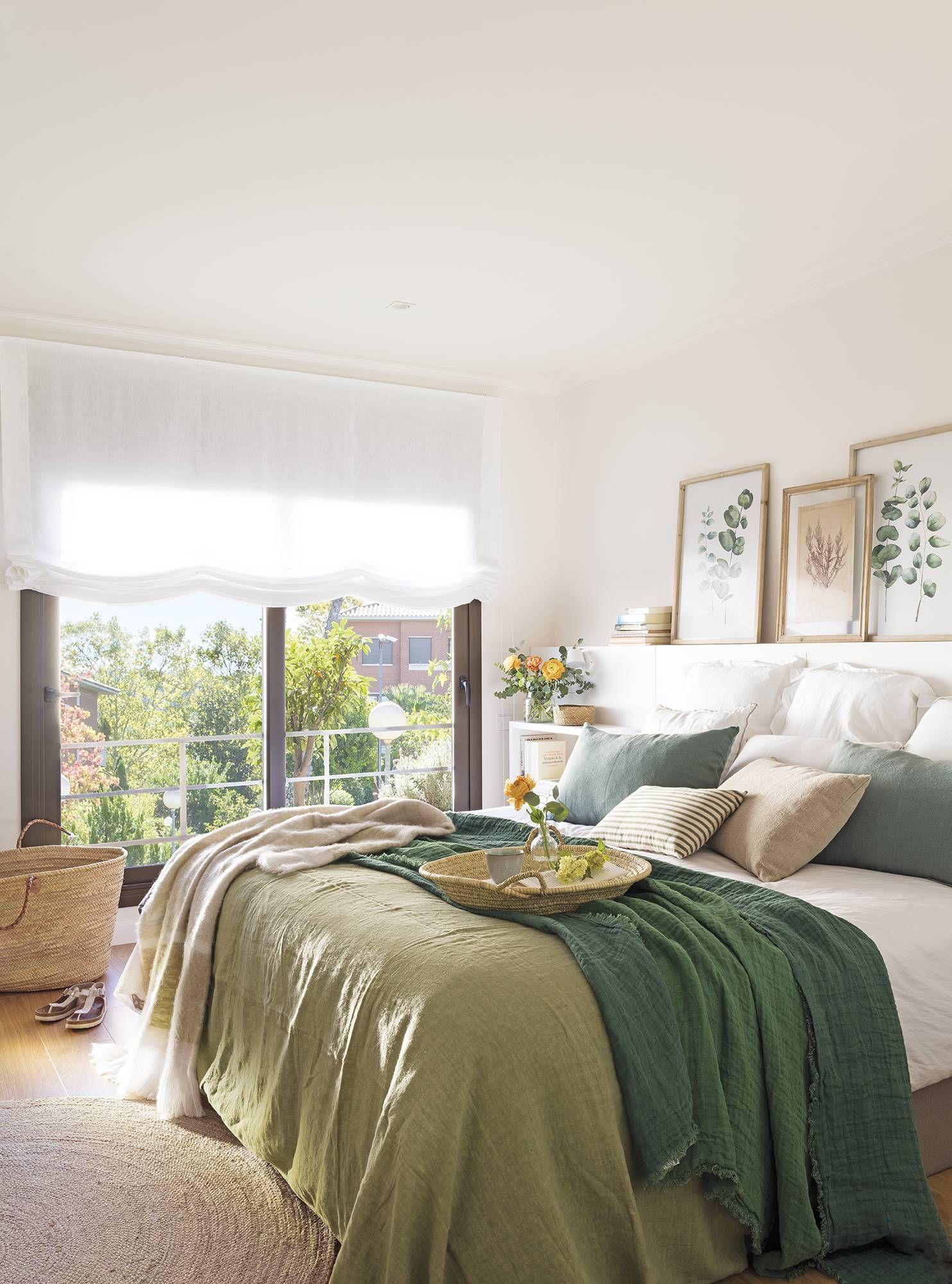 Buhardilla chic  Chambre simple, Deco, Idées de décor