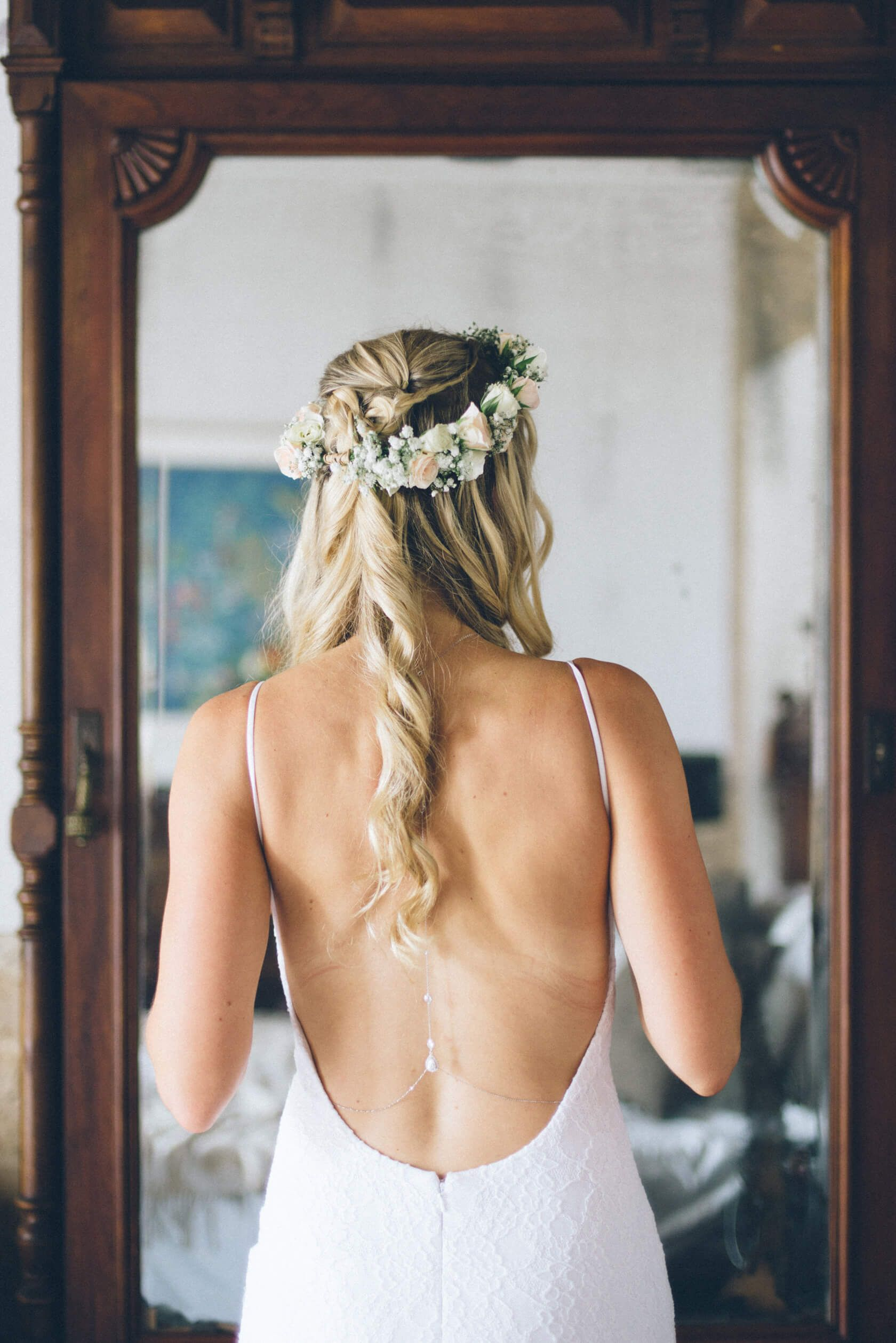 Getting married in Spain in an authentic villa near Barcelona, easier than you think! Destination Wedding Photographer Spain. Barcelona wedding photographer