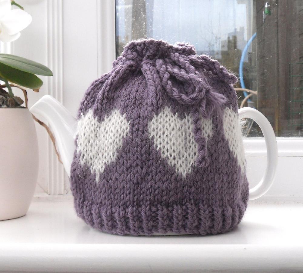 Valentine tea Cosy | Tea cosy knitting pattern, Cosy and Knitting ...