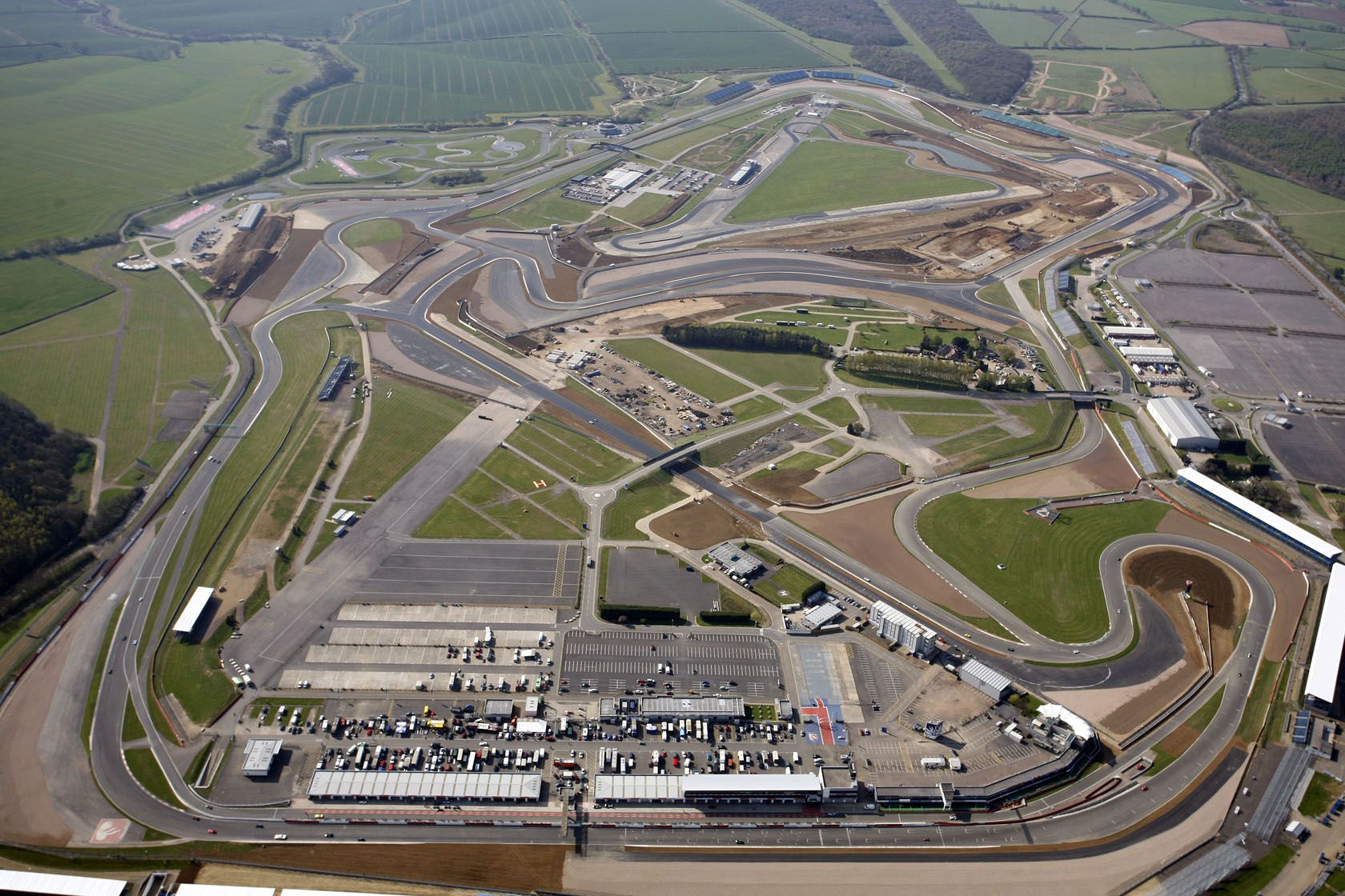Aerial-View-of-New-Silverstone-Grand-Prix-Circuit.jpg (1680×1120 ...