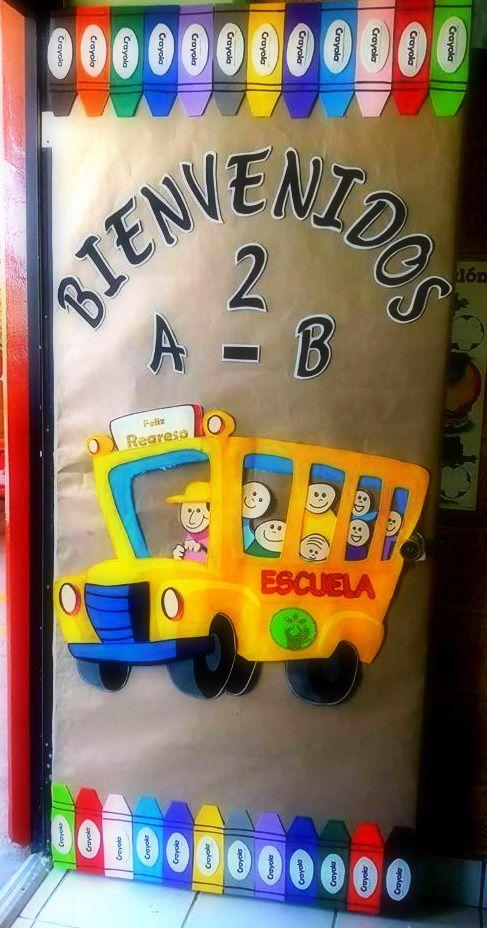 Puerta decorada de bienvenidos idea classroom door for Decoracion de puertas escolares