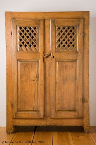 armoire garde manger image preferes pinterest foin poubelle et meubles. Black Bedroom Furniture Sets. Home Design Ideas