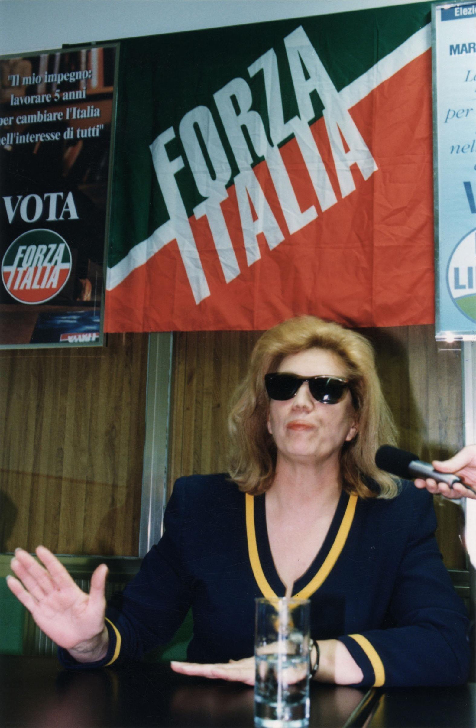 Foto dell'Italia anni Novanta per capire com'è cambiata in